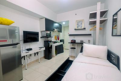 Functional Studio at Springlake Summarecon Bekasi Apartment By Travelio