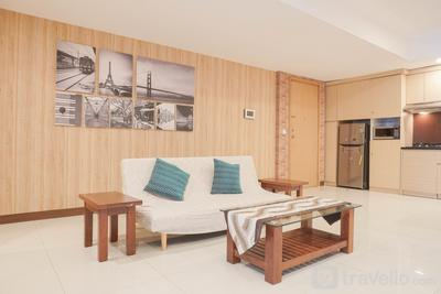 Best Modern and Homey 2BR The Mansion Kemayoran Apartment By Travelio