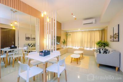 Spacious 1BR + Study Room Orange County Apartment in Meikarta's CBD Area By Travelio