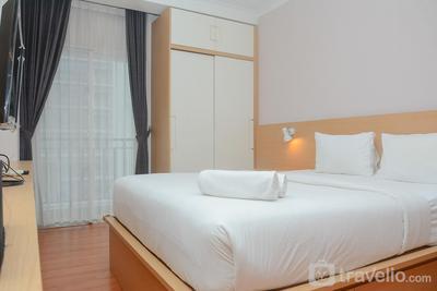 Comfort and Stylish Studio Signature Park Tebet Apartment By Travelio