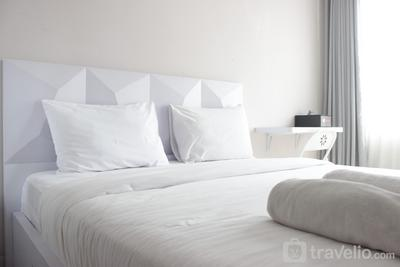 Relaxing Studio Apartment Easton Park Residence Jatinangor with Mountain View By Travelio