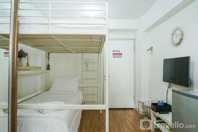 Compact and Scenic Studio Room Green Bay Pluit Apartment By Travelio