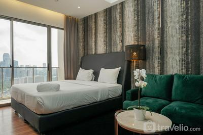 Fabulous Studio Apartment at Sudirman Hill Residence By Travelio