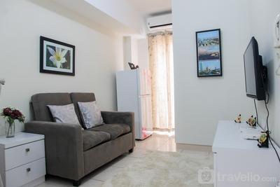 Exclusive 2BR Springlake Summarecon Bekasi Apartment By Travelio