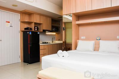 Comfortable Studio Room Apartment at Grand Kamala Lagoon By Travelio