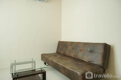 Cozy and Simply 1BR Green Central City Apartment By Travelio