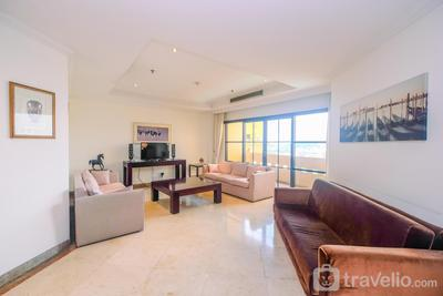 Spacious with Strategic Place @ 2BR Kusuma Chandra Apartment By Travelio