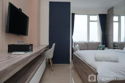 Cozy and Tranquil Studio Menteng Park Apartment By Travelio