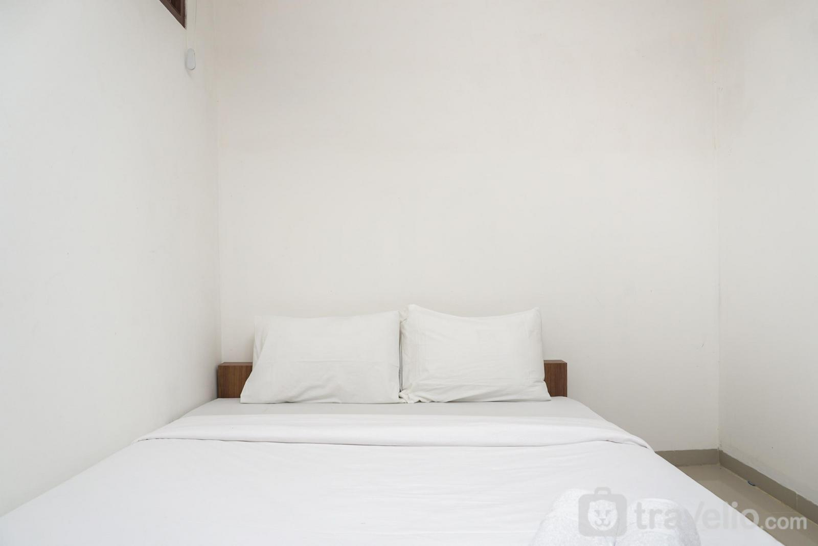 Meruya 8 Guest House - Minimalist Studio 1st Floor at Meruya 8 Puri Kembangan By Travelio