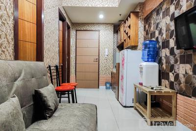Luxurious and Comfy 2BR at Vida View Makassar Apartment By Travelio
