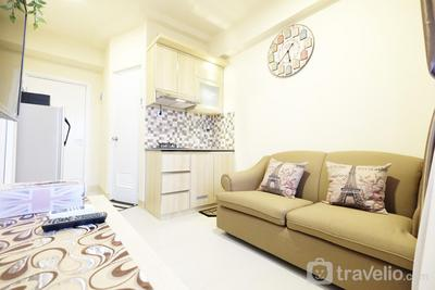 Cozy 2BR Green Pramuka Apartement Direct Access to GPS Mall by Travelio