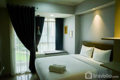 Mahogany Suites Studio Room The Oasis Apartment Cikarang By Travelio