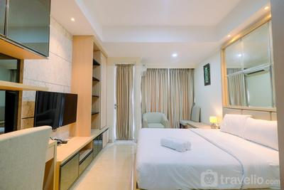 Minimalist with City View Studio @ Menteng Park Apartment By Travelio