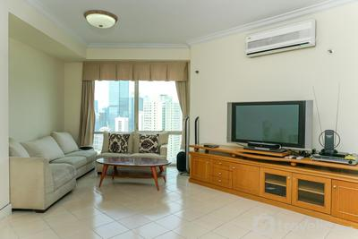 Best Price 3BR at Batavia Apartment By Travelio