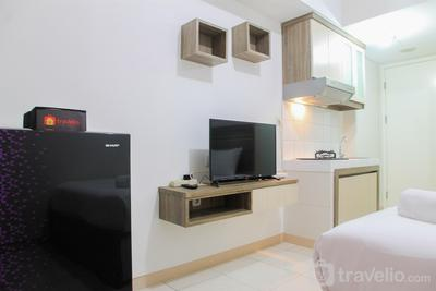Modern Studio at The Springlake Summarecon Apartment By Travelio