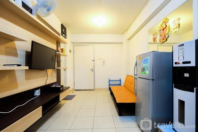 Clean 2BR Green Bay Apartment near Baywalk Mall Pluit By Travelio
