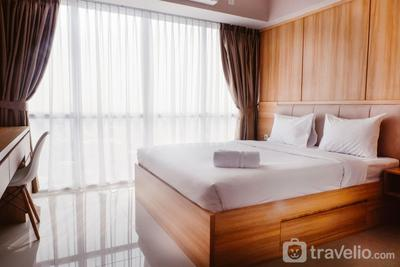 Warm Interior 3BR  Apartment near MT Haryono and Cawang By Travelio