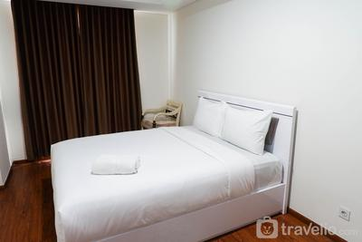 Deluxe 2BR Apartment at Grand Sungkono Lagoon By Travelio