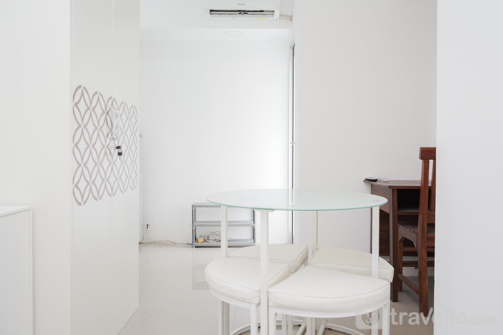 Apartemen Urbantown Serpong - New and Simply Studio at Urbantown Serpong Apartment By Travelio