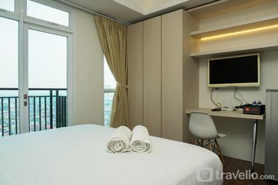 City View Studio Apartment at Puri Orchard By Travelio