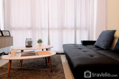 Modern Looks and Homey 2BR Gallery West Apartment By Travelio
