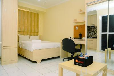 Chic and Cozy Studio Apartment at Menteng Square By Travelio