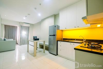 Spacious and Comfy 2BR Nifarro Park Apartment By Travelio