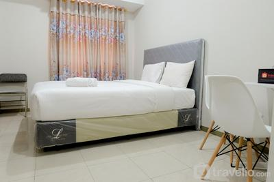 Cozy & Comfy Studio Gading Greenhill Apartment By Travelio