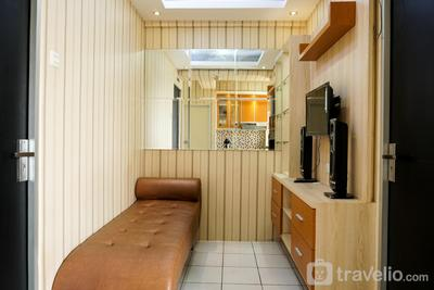 Modern 2BR With City View @ Pancoran Riverside Apartment By Travelio
