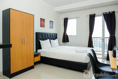 Minimalist Signature Park Grande Studio Apartment with City View at By Travelio