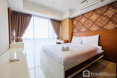Comfy 2BR H Residence Apartment By Travelio