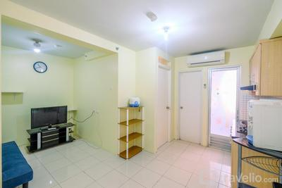 Minimalist and Simply Cozy 1BR Kalibata City Apartment By Travelio