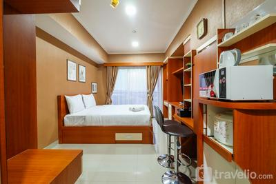 Well Equipped Studio at The Oasis Apartment Cikarang By Travelio