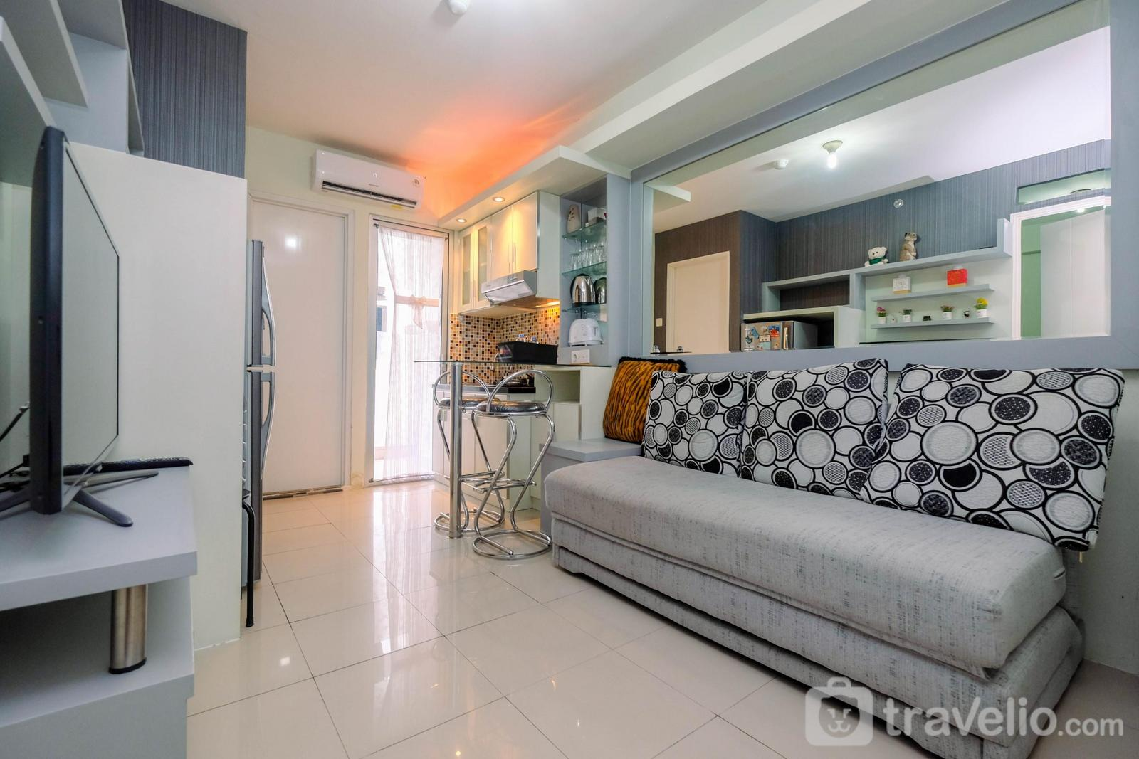 Green Palace Kalibata - Modern and Cozy 2BR Apartment at Green Palace Kalibata By Travelio