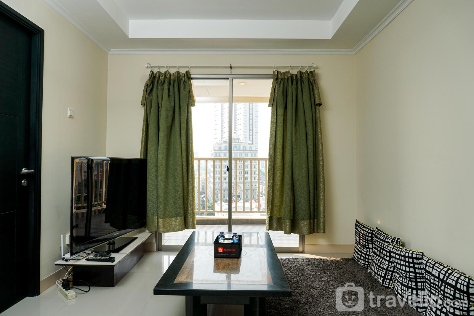 Apartemen Belmont Residence Puri - Comfortable 3BR with Japanese Style Livingroom Belmont Apartment By Travelio