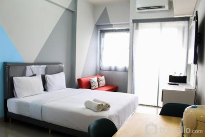 Minimalist and Posh Studio Parkland Avenue Apartment By Travelio