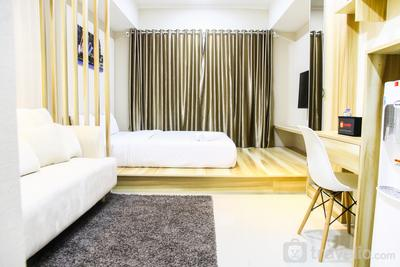 Modern Style The Oasis Studio Apartment with Comfortable Sofa By Travelio