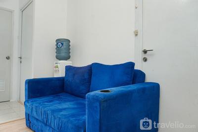 Gorgeous 2BR Green Pramuka Apartment By Travelio