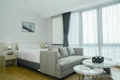 Comfortable Studio Room at Capitol Suites Apartment By Travelio