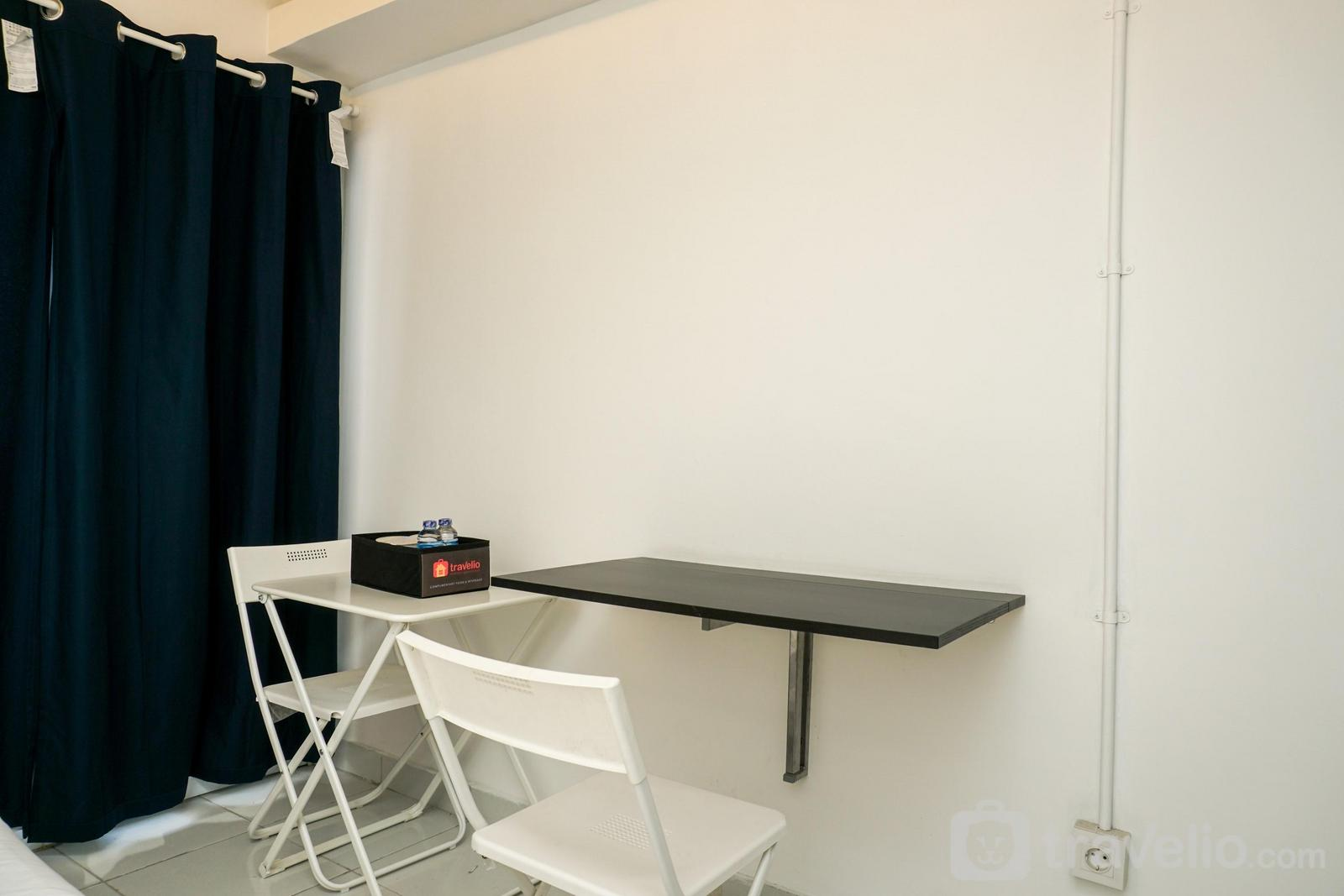 Amethyst Apartment - Simply White and Compact Studio at Amethyst Apartment By Travelio