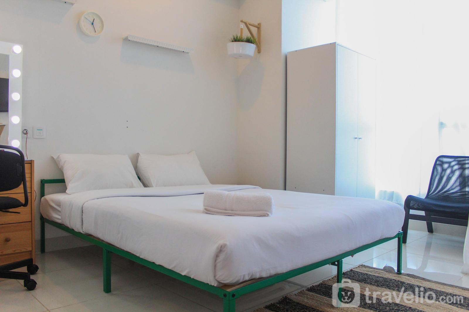 Roseville (Soho & Suite) Apartment - Cool and Comfy Studio at Roseville SOHO & Suite Apartment By Travelio