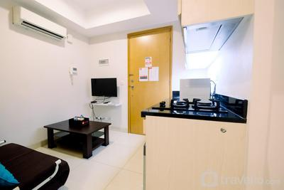 Comfort 1BR The Mansion Kemayoran Apartment near JIEXPO By Travelio