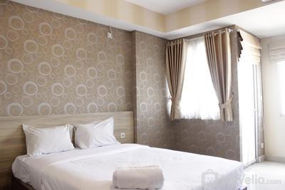 Spacious Studio Room at Sudirman Suites Apartment By Travelio