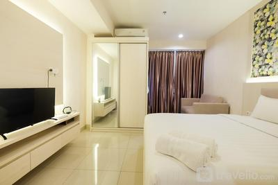 Cozy Studio at Grand Kamala Lagoon Apartment By Travelio