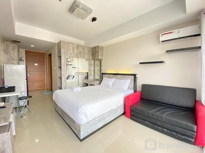 Bright Studio Room at Beverly Dago Apartment By Travelio
