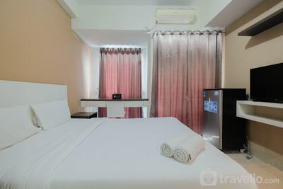 Simply Furnished Studio @ Grand Dhika City Apartment By Travelio