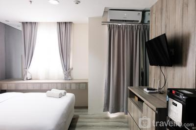 Minimalist Studio Room at Bintaro Icon Apartment By Travelio