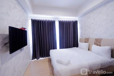 Comfortable Studio Puri Mansion Apartment By Travelio