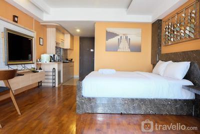 Best Location Studio H Residence Apartment By Travelio