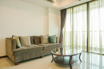 Homey with Private Lift 2BR Apartment at St. Moritz Puri near Mall By Travelio